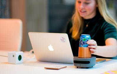 لعشاق المشروبات الباردة.. جهاز لتبريد مشروبكم في 60 ثانية فقط!