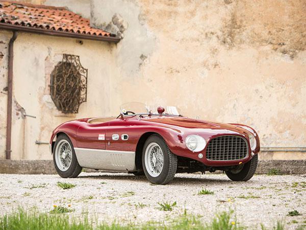 فيراري 1953: سيارة بتاريخ حافل يستحق 8 مليون دولار (صور)