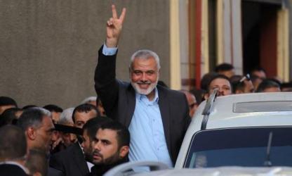 وفد حماس برئاسة هنية يعود لغزة بعد زيارة سريعة للقاهرة