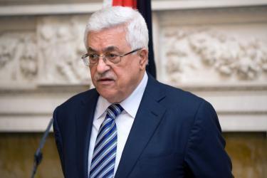 """أبومازن يستعد لتوجيه ضربة ديبلوماسية """"موجعة"""" لإسرائيل وأميركا رداً على قرار نقل السفارة الأميركية"""