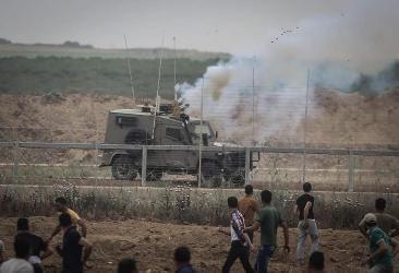 شبان فلسطينيون يتمكنون من اتلاف أجهزة ومجسات على السياج الحدودي شمال قطاع غزة