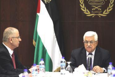 """هل يكون """"الحمد الله"""" بديل أبومازن في رئاسة السلطة؟"""