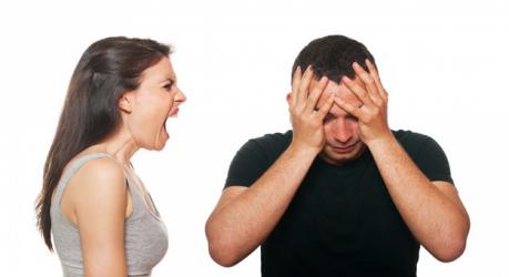 زوجة تتخلص من عصبيتها أمام زوجها بهذه الطريقة المبتكرة