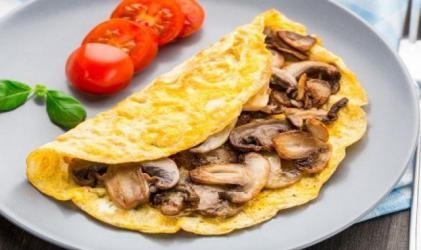 سحور اليوم.. طريقة تحضير بيض بالمشروم في المنزل