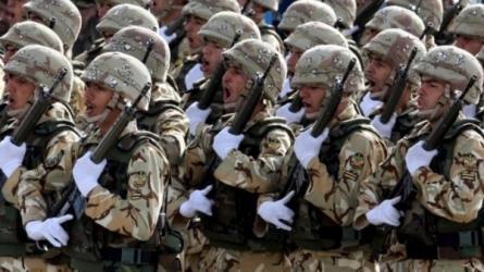 تصريحات نارية من قائدي الجيش الإيراني والحرس الثوري ضد أمريكا والسعودية