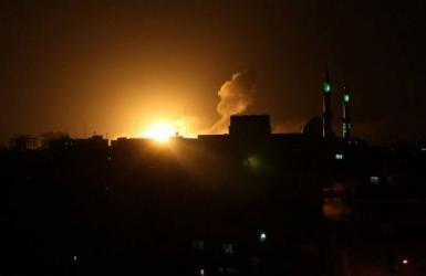 غارات إسرائيلية عنيفة على قطاع غزة (صور)