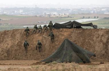 الاحتلال يكشف تشكيله وحدة عسكرية لمكافحة مسيرات العودة