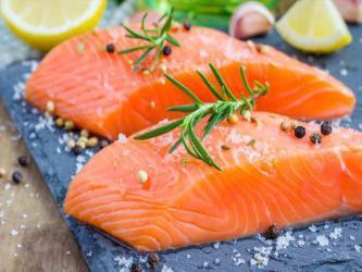 7 فوائد تجعل السلمون أفضل المأكولات البحرية صحيًا