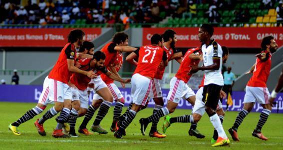 الأوروغواي تفوز بشق الأنفس على المنتخب المصري