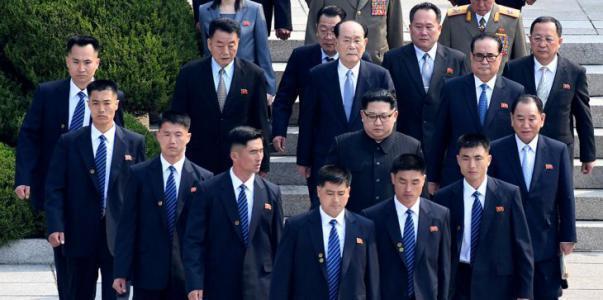 بالفيديو.. شاهد ماذا فعل حرس الزعيم الكوري الشمالي خلال القمة التاريخية