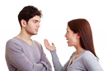 زوجتي عنيدة وترفع صوتها وتتطاول علي.. هل أتزوج عليها؟