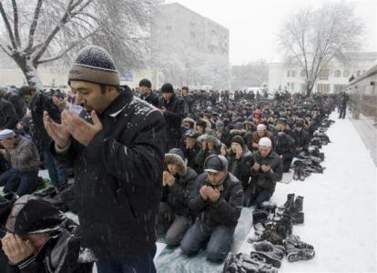 صحيفة روسية: لماذا يكتسب الإسلام مزيدا من النجاح في أوروبا؟