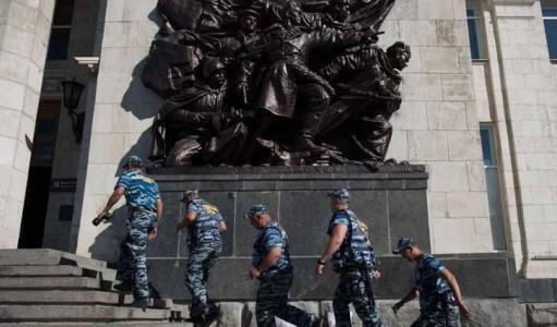 الشرطة تخلي فندقاً بمدينة روسية تستضيف مباريات كأس العالم