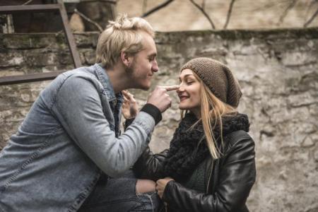 4 أشياء لا يفعلها سوى الرجل المحب لزوجته