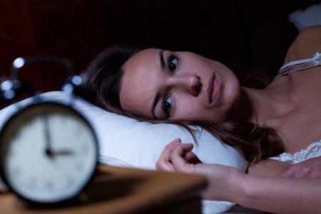لهذه الأسباب نستيقظ ليلاً دون إرادتنا