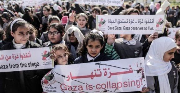 ما هي العقوبات المفروضة على غزة والتي يتواصل حراك الضفة لرفعها؟