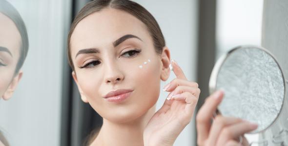 ما هو البرايمر في المكياج وطرق استخدامه على الوجه؟