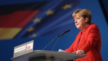 صحيفة أوروبية تتهم ميركل بتدمير الاتحاد الأوروبي