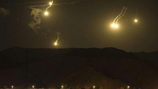 طائرات الاحتلال تطلق قنابل مضيئة فوق مرتفعات جبل الشيخ وشبعا