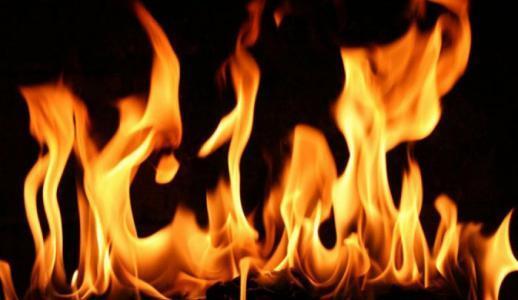 تفاصيل مروعة.. اشعلت النار بجسد جوزها بعد معرفتها بعقد قرانه على عروس جديدة