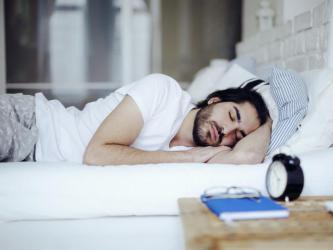 """""""السائرون نياما"""".. 7 صفات تكشف لك الشخص """"مدمن النوم"""""""