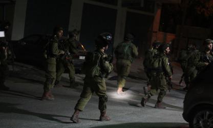الاحتلال يداهم منزلا في صانور ويكثف من تواجده العسكري في جنين