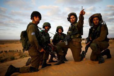 الاتحاد الأوروبي يمولُ مشروعاً لجمع معلومات عن جنود وضباط إسرائيليين مجرمين