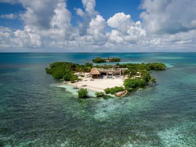تبحث عن الخصوصية في أجازاتك.. عليك بجزيرة جلادن الخاصة !