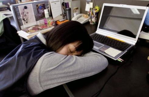 موظفة تغفو 3 ساعات يوميا وتكلف الولاية 40 ألف دولار