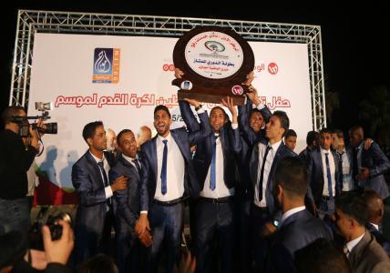الاتحاد الفلسطيني يكرم أبطال الموسم الكروي في الضفة وغزة