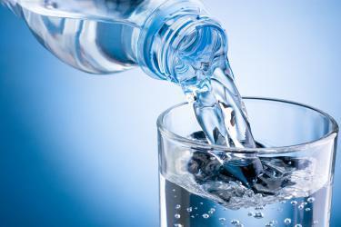 الماء في الرجيم الغذائي لرشاقتك في فصل الصيف
