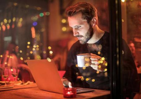 للناس في عشقها مذاهب.. فنجان القهوة حول العالم