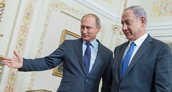 نتنياهو يلتقي بوتين في موسكو حاملًا عرضًا بشأن سوريا