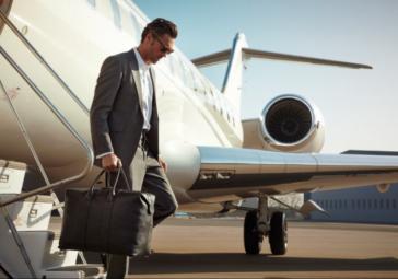 7 طرق لإيجاد رحلات جوية رخيصة في الصيف