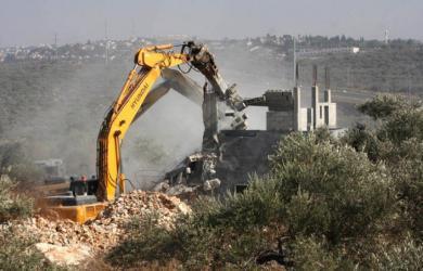 جيش الاحتلال يهدم منزلين في قلنسوة