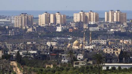 مسؤول إسرائيلي : خطة غزة الإنسانية رسالة إلى الرئيس أبو مازن