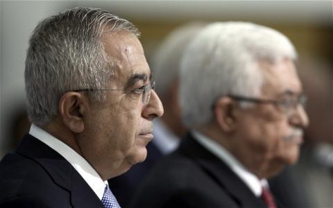 """الرئيس عباس يسعى لتشكيل حكومة برئاسة فياض تضم """"حماس"""""""