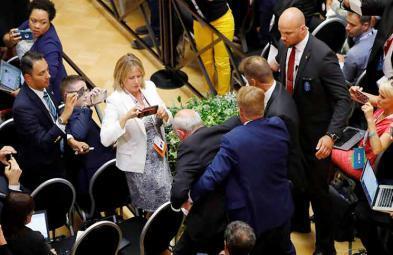 الأمن الروسي يطرد صحافي فلسطيني خلال مؤتمر ترامب- بوتين