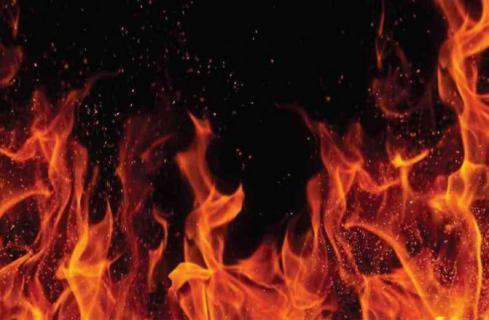 جريمة بشعة.. أحرق زوجته وأولاده الثلاثة لهذا السبب !