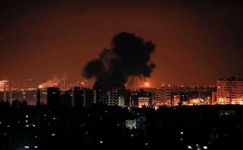 مصدر أمني مصري يكشف عن الجهود الحثيثة لوقف التصعيد الإسرائيلي على غزة