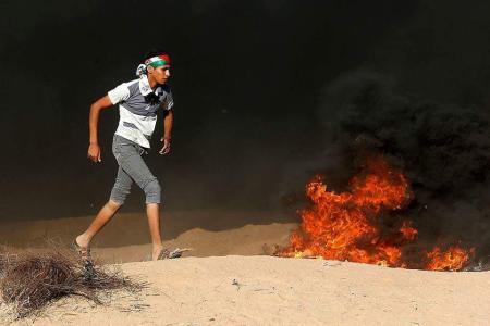 """شهيدان ومئات الاصابات برصاص الاحتلال على سياج غزة في جمعة """"ثوار من اجل القدس"""""""