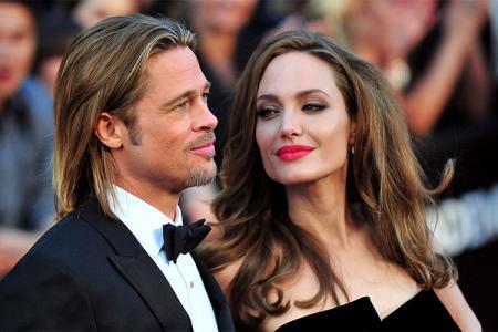أنجلينا جولي تفجر مفاجأة وتتزوج مجددًا.. وبراد بيت منزعج للغاية