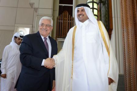 لعقد لقاء مهم مع الأمير تميم.. الرئيس عباس يصل الدوحة غداً