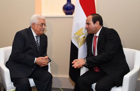 هل ناقش السيسي مع الرئيس عباس ملف التهدئة بغزة؟