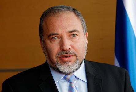 ليبرمان : الهدوء في قطاع غزة يقابله الهدوء ولا حاجة لزيارات سرية