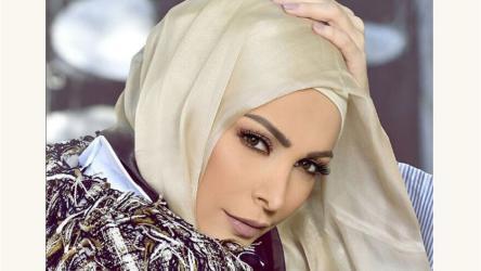 الفنانة أمل حجازى تنفى شائعة ارتدائها الحجاب بسبب المرض