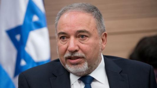 ليبرمان يتحدث عن فرص نجاح التسوية مع حماس في غزة