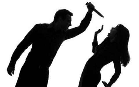 خلاف بين هدى وشقيقة زوجها.. 12 طعنة مزقت جسدها !
