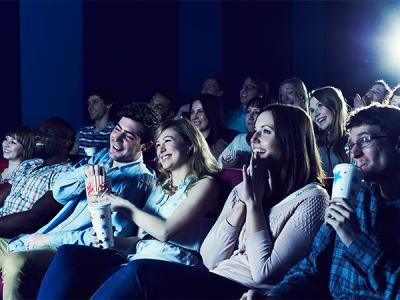 الذهاب إلى السينما أكثر من مرة يُساعد في تنظيف الدماغ