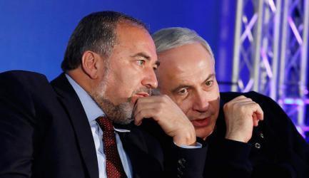 معاريف: نتنياهو وليبرمان يخشون الحرب وهذا ما سيحصلون عليه